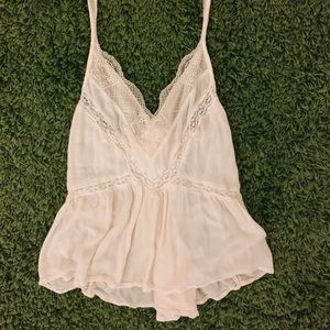 AEO beautiful lace top